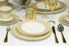 Tabellen stellten für Mahlzeit ein stockfotografie