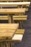 Tabellen und Bänke Lizenzfreies Stockfoto