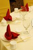 Tabelleneinstellung in der Gaststätte. Stockfotos