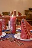 Tabelleneinstellung in einer Gaststätte Lizenzfreies Stockbild