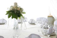 Tabelleneinstellung für eine Hochzeit Stockfotografie