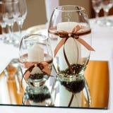 Tabelleneinstellung für Hochzeitsabendessen Stockbild