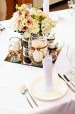 Tabelleneinstellung für Hochzeitsabendessen Stockfotos