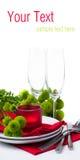 Tabelleneinstellung mit Chrysanthemen, betriebsbereite Schablone Stockbild