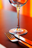 Tabelleneinstellung mit Glas Stockfotografie