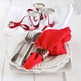 Tabelleneinstellung mit Tafelsilber für Weihnachten Stockfotografie