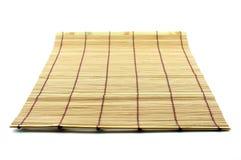 Tabellenmatte hergestellt aus Bambusstücken heraus Lizenzfreies Stockfoto