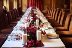 Tabellensatz für die Heirat oder ein anderes versorgtes Ereignisabendessen Stockfotografie