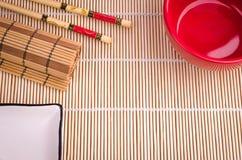 Tabellenwerkzeuge für Sushi Stockfoto