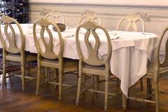 Tabeller och stolar Arkivbild