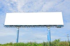 Tabellone per le affissioni in bianco bianco fotografie stock
