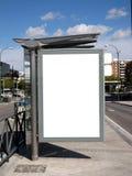 Tabellone per le affissioni in bianco della fermata dell'autobus Fotografie Stock