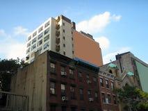 Tabellone per le affissioni in bianco su alloggiamento Fotografia Stock