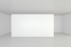 Tabellone per le affissioni in bianco vuoto nell'interno bianco rappresentazione 3d Immagini Stock