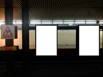 Tabellone per le affissioni 4 del sottopassaggio Fotografie Stock Libere da Diritti