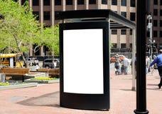 Tabellone per le affissioni della fermata dell'autobus fotografie stock