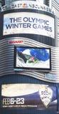 Tabellone per le affissioni di Comcast NBC Universal decorato con Soci 2014 logo olimpici dei giochi di inverno XXII vicino al Tim Fotografie Stock