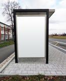 Tabellone per le affissioni di pubblicità della fermata dell'autobus Fotografia Stock Libera da Diritti
