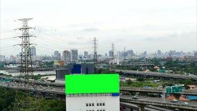 Tabellone per le affissioni di pubblicità sulla superstrada, lasso di tempo stock footage