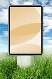 Tabellone per le affissioni su un'erba illustrazione di stock