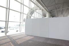 Tabellone per le affissioni vuoto in aeroporto Immagine Stock Libera da Diritti