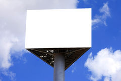 Tabellone per le affissioni vuoto con cielo blu Immagine Stock Libera da Diritti
