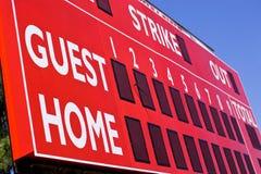 Tabellone segnapunti rosso di baseball fotografie stock