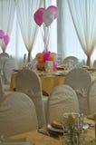 Tabelluppsättning för ett händelseparti. Arkivfoto