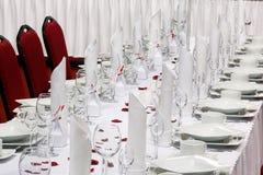 Tabelluppsättning för händelseparti eller bröllopmottagande Arkivfoton