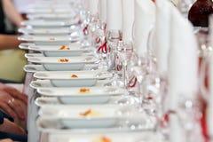 Tabelluppsättning för händelseparti eller bröllopmottagande Arkivbilder