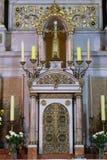 Tabernáculo en el altar principal en la basílica del corazón sagrado de Jesús en Zagreb imagenes de archivo