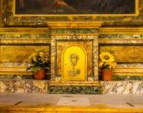 Tabernáculo que guarda Saint Mary Angels de Eucarist e mártir Roma Itália imagens de stock