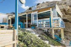 Taberna en el pueblo de Matala Fotos de archivo