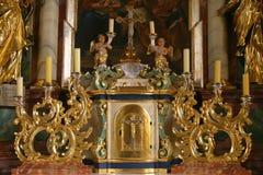 Tabernacolo sull'altare in chiesa della trinità santa in Krasic, Croazia Fotografie Stock Libere da Diritti