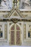Tabernakel am Altar des heiligen Kreuzes in Zagreb-Kathedrale Lizenzfreies Stockfoto