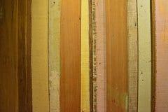 Tablón de madera colorido rústico con la visión horizontal Imagenes de archivo