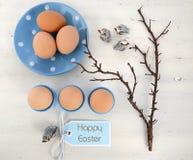 Tabla azul y blanca de Pascua del tema Imagen de archivo