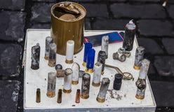 Tabla con la munición Imagen de archivo