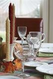 Tabla de cena de la acción de gracias fijada para la cena Imagenes de archivo