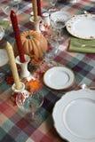 Tabla de cena de la acción de gracias fijada para la cena Fotos de archivo libres de regalías