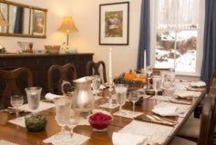Tabla de cena del día de fiesta imagen de archivo