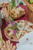 Tabla de comida fría de la boda fotos de archivo libres de regalías