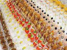 Tabla de comida fría muchos bocados Imagen de archivo libre de regalías