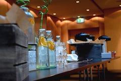 Tabla de la bebida de la conferencia imágenes de archivo libres de regalías