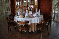Tabla de la boda en el restaurante Foto de archivo libre de regalías