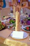 Tabla de la boda en el restaurante Imágenes de archivo libres de regalías