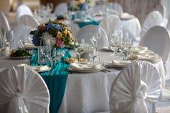 Tabla de la elegancia puesta para casarse en turquesa Imagen de archivo