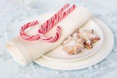 Tabla de la Navidad con los dulces Imagenes de archivo