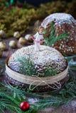 Tabla de la Navidad con los dulces italianos Fotografía de archivo libre de regalías