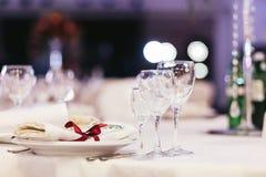 Tabla de lujo fijada para casarse Imagen de archivo libre de regalías
